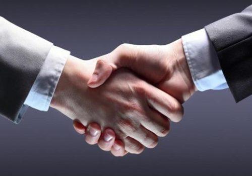 088635800_1446787112-Handshake
